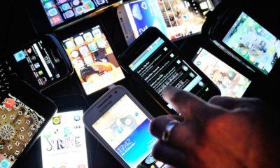 des-smartphones-le-25-decembre-2013-a-dinan-france_5415323